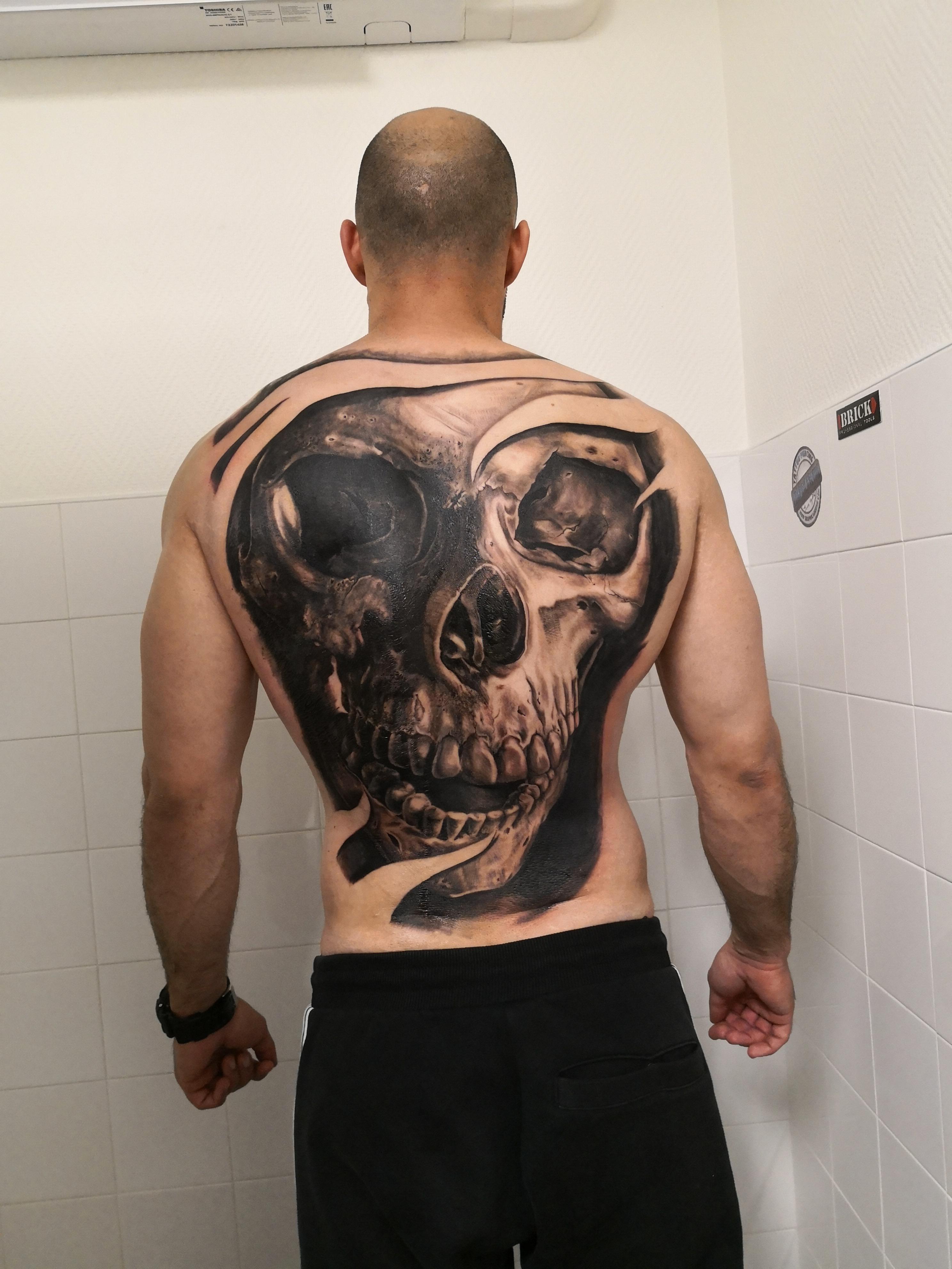 graphicaderme-tatouage-avignon-steven-chaudesaigues-julien-dirtycool