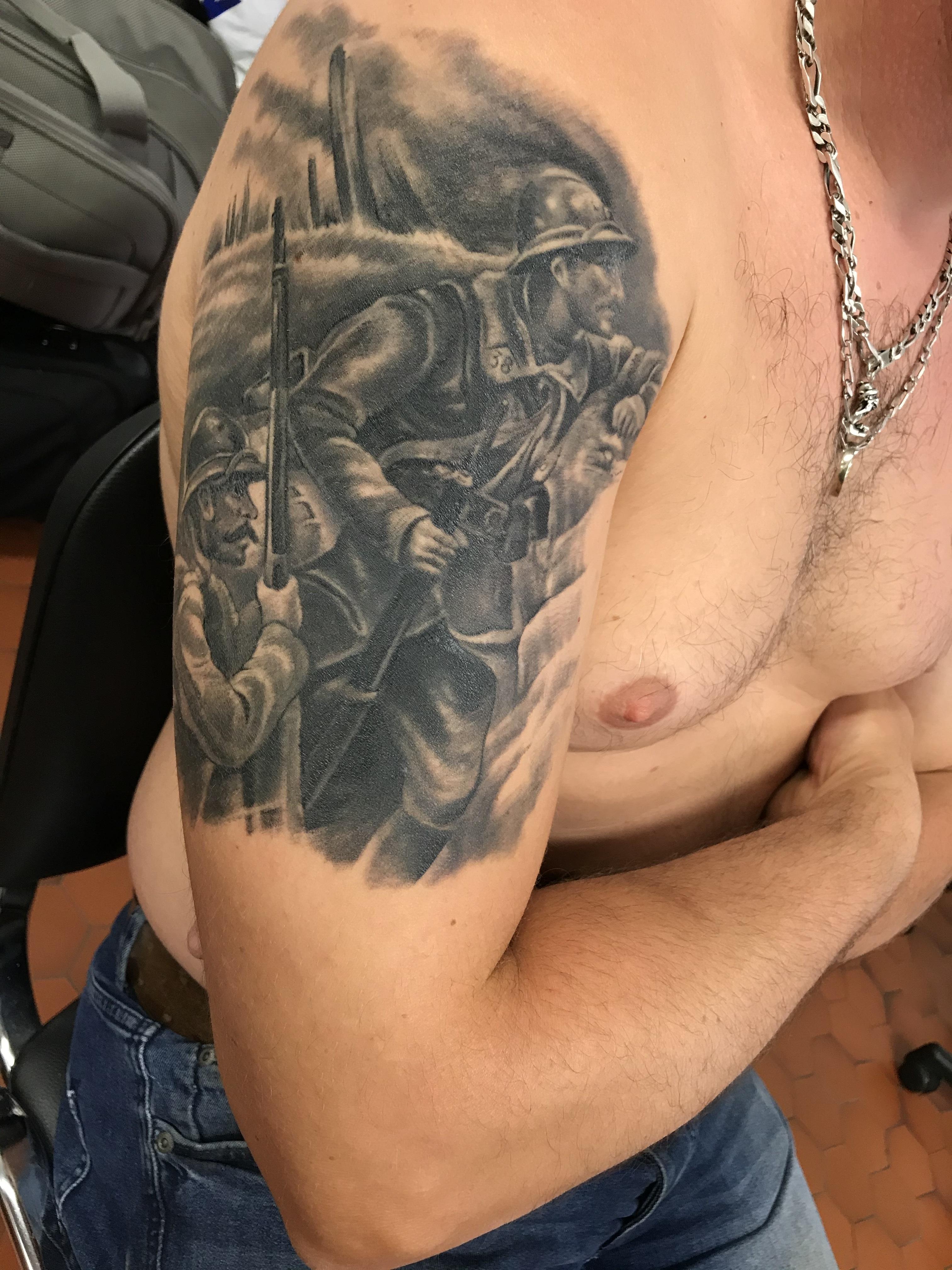 stephane-chaudesaigues-graphicaderme-meilleur-tatoueur-vaucluse-cantal