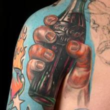 stephane-chaudesaigues-tatouage-tattoo-coca-cola_réaliste